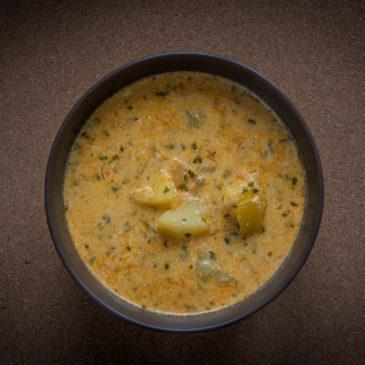 Polévka se zakysanou smetanou