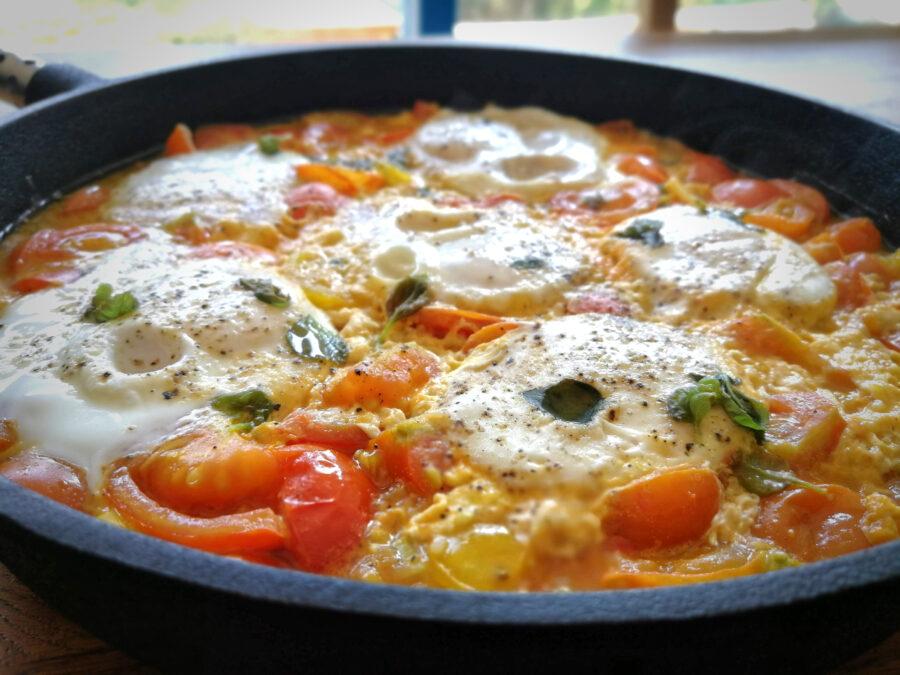 rajčatová omáčka s vejci
